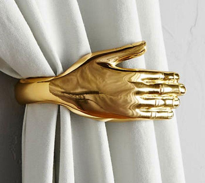 Золотой подхват в виде руки