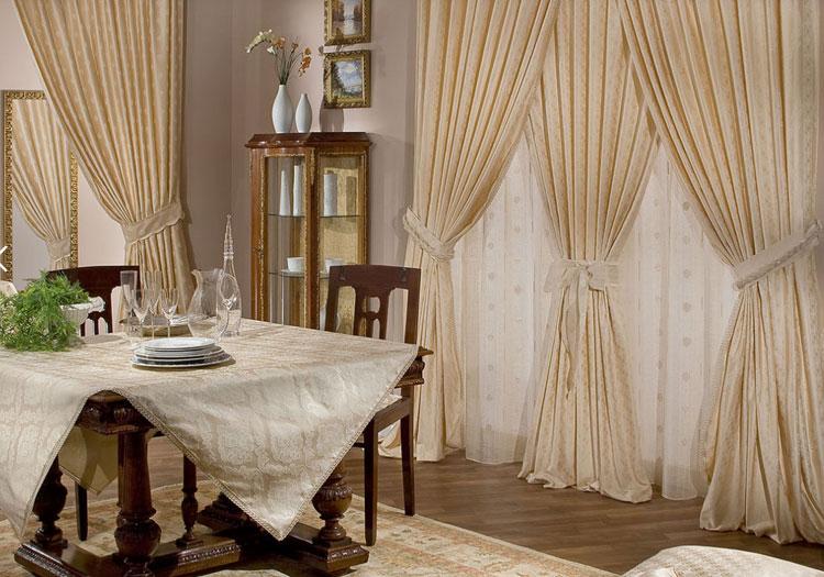 Классические шторы в столовую