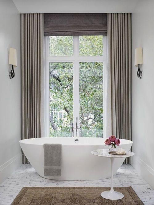 Римские шторы и портьеры в ванную комнату