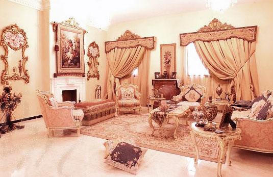 Шторы в стиле ренессанс в гостиной