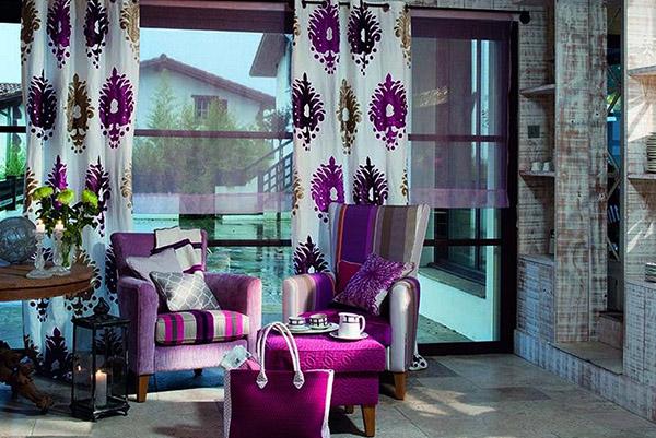 Красивые шторы с фиолетовым узором