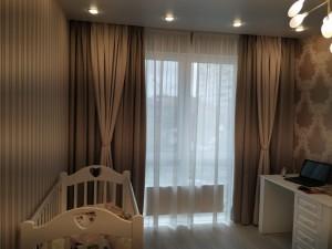 Шторы и текстиль в спальню, комбинированные, коричневые, классика
