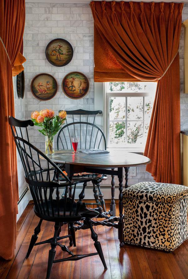Комплект оранжевых штор