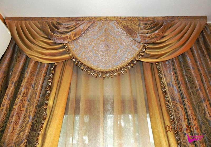 Шторы в гостиную ШГ0041, золотистые двухцветные шторы с узорами, с фигурным ламбрекеном