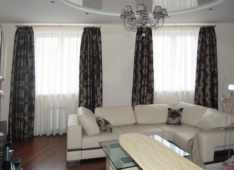 Шторы в гостиную ШГ0032, современные классические коричневые с белым узором