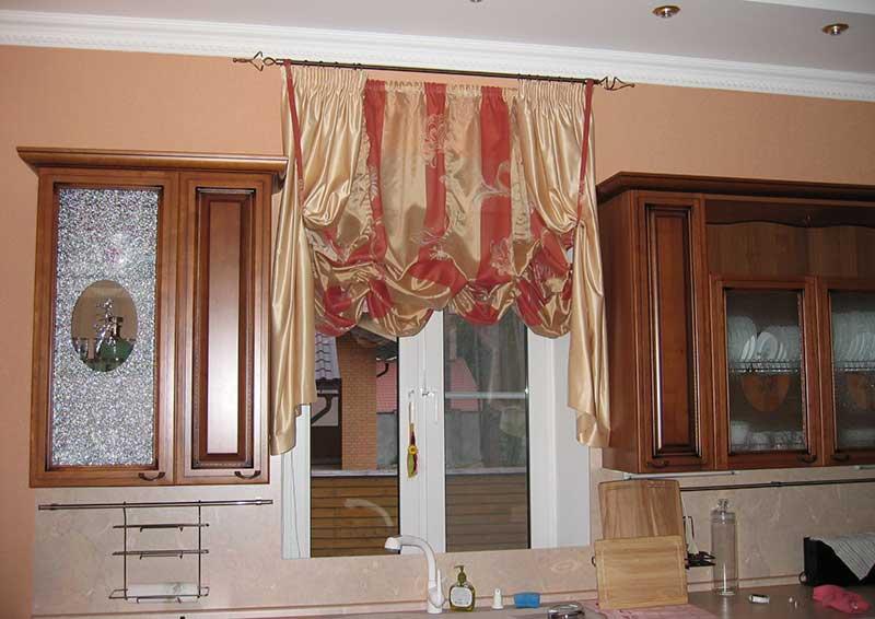 Австрийские шторы на кухню