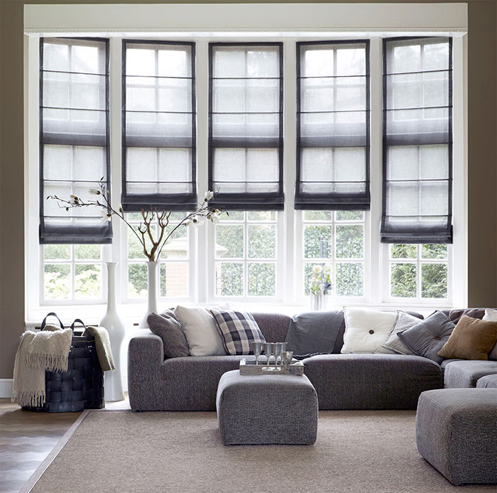 Римские шторы на панорамных окнах
