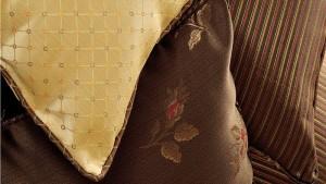 Цвет тканей: песочный,коричневый с принтом