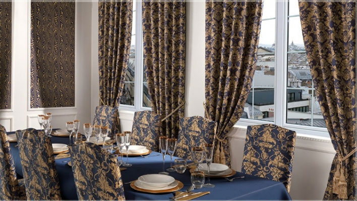 Текстиль для гостиной-столовой