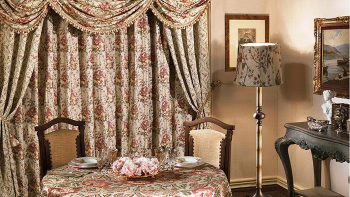 Интерьер с тканью в английском стиле