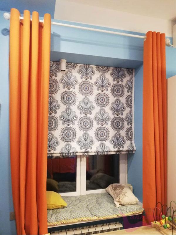 Римская штора в комбинации с современными шторами