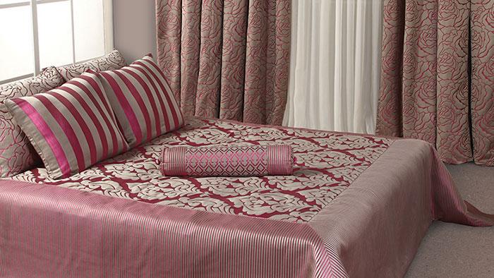 Розовый цвет в декорировании спальни