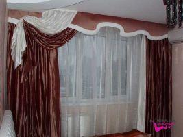 Шторы в гостиную ШГ0052, коричневые, дизайнерские с белой каймой и ламбрекеном