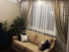 Шторы в гостиную ШГ0064 двухцветные, бежевые и белые с коричневым узором, классика