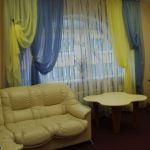 Шторы в гостиную ШГ0034, двухцветные желто-голубые воздушные с подхватом