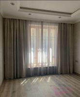 Шторы в гостиную ШГ0101. Современные шторы, серые. Дополнение - белый, полупрозрачный тюль.