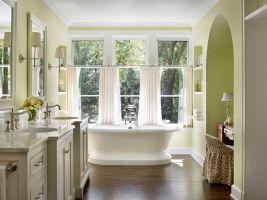 Короткие шторы-кафе для ванной комнаты